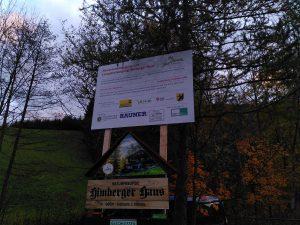 Schild zu den Bauarbeiten und den Naturfreunden Himberg